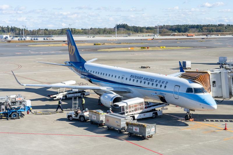 使用機材はエンブラエル 190型機。成田~台中を毎日1便飛んでいます