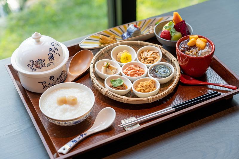 見た目も美しい「台湾式粥朝食膳」。気に入った私は毎朝これを食べていました