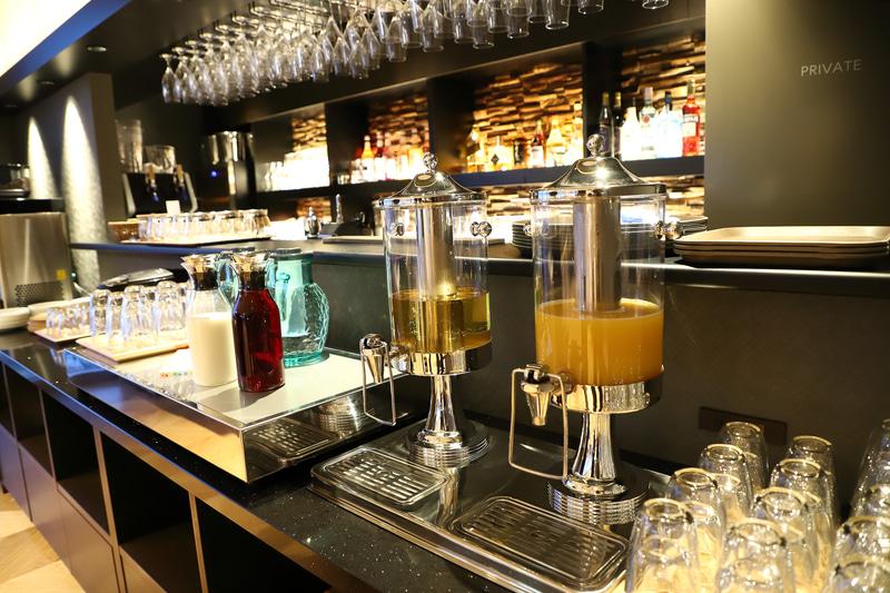 ドリンクはジュースやミルク、コーヒー、お茶などが揃っている