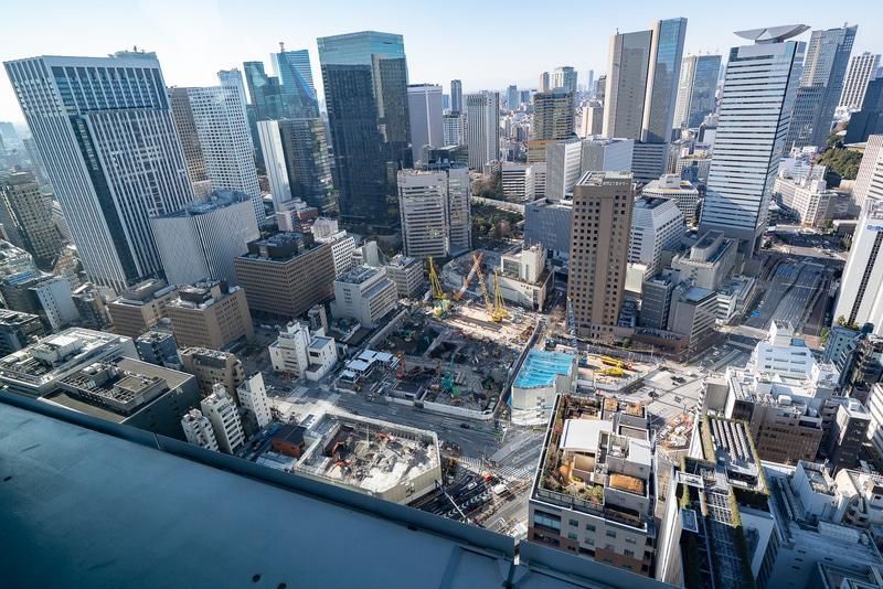 進行中の虎ノ門ヒルズの開発 。手前を左右に横切るのが桜田通りで下に虎ノ門ヒルズ駅が作られている