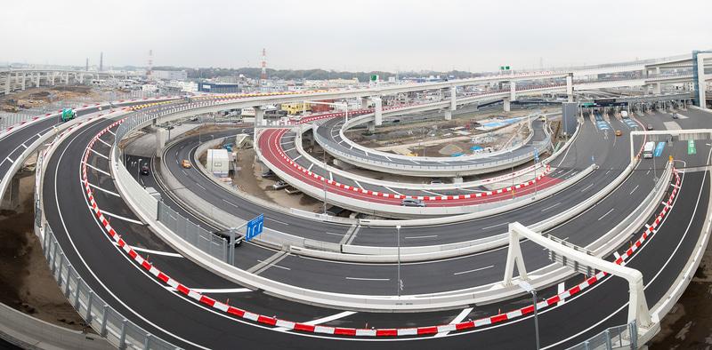 複雑な構造となる横浜港北JCT。パネル写真と見比べてほしい