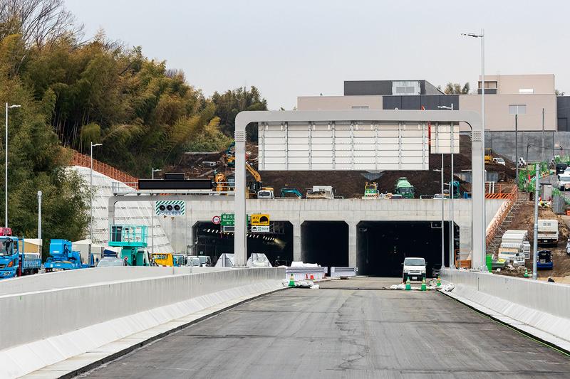 横浜北西トンネルの港北側入口