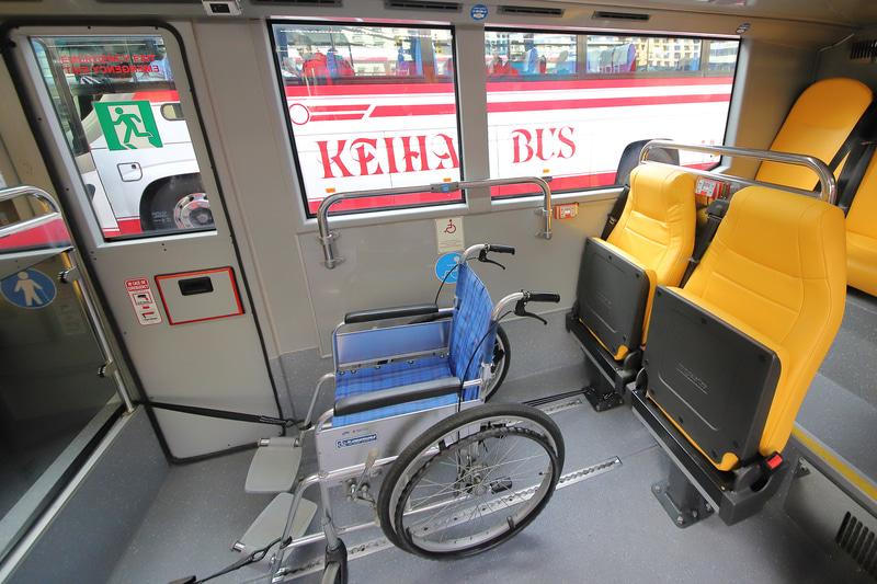 車いすスペースにも余裕があり、方向転換も簡単そうだ