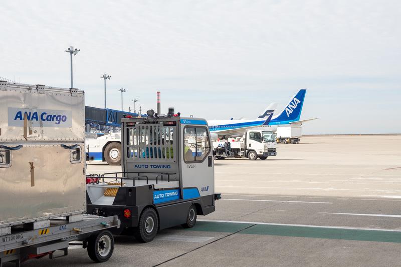 荷さばき場から駐機場への自動走行