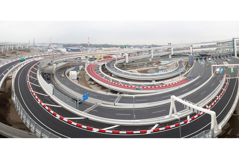 2020年2月~3月(2019年度末)に開通する主な道路を紹介する。写真は3月22日に開通する横浜北西線の横浜港北JCT(2020年1月24日撮影)