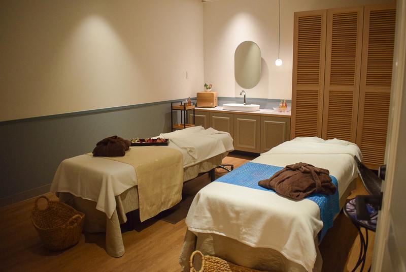 2人用の施術室。女性同士はもちろん、男女カップルでの施術もオススメとのこと
