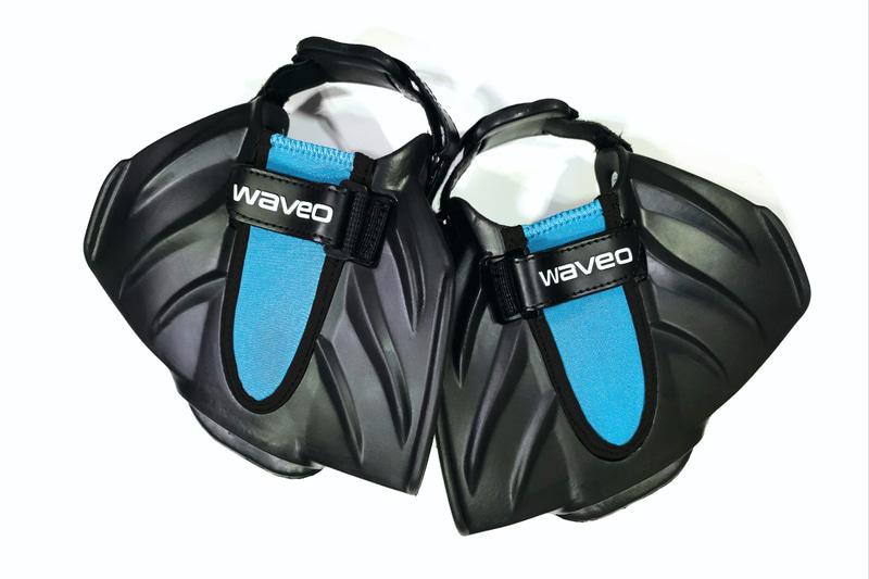 マグクルーズは、走れる足ヒレ「Waveo 半魚FIN」を発売した