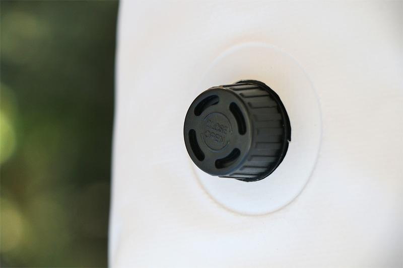 空気穴で内部の空気調整が可能
