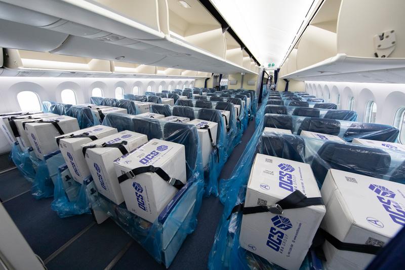 ANAが4月22日のANA968便で客席への貨物搭載を開始