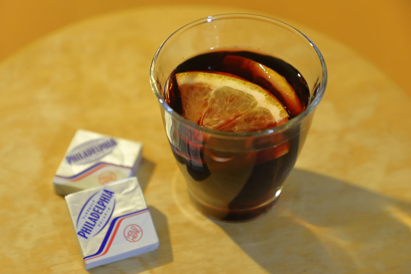 材料を混ぜてレンジアップするだけ。ワインは料理用でも美味しくいただける