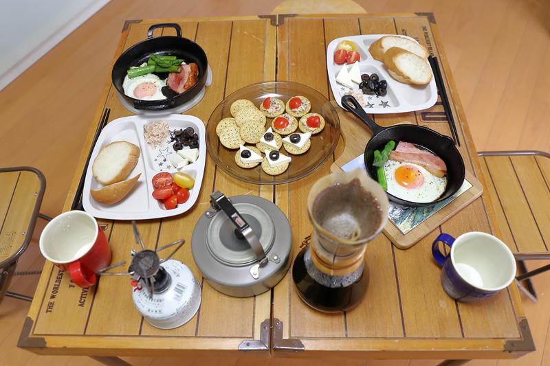 メニューは普段通りでも雰囲気が変わるだけで楽しい朝食に