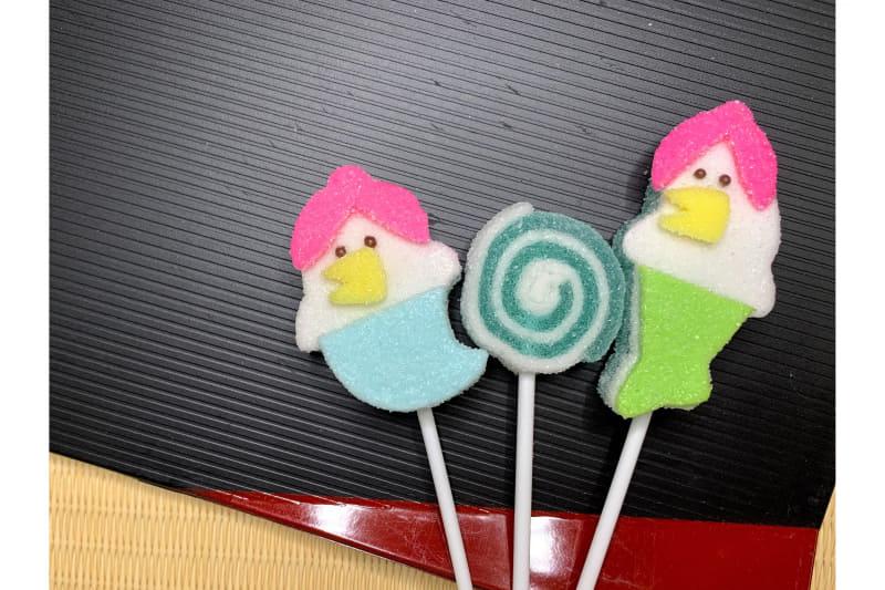 みどり製菓は「疫病退散!アマビエ兄弟!!」を発売する。