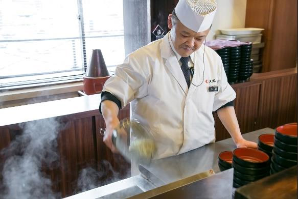 ORIX HOTELS & RESORTSの各料理長が考案した「まかないレシピ」を順次公開する