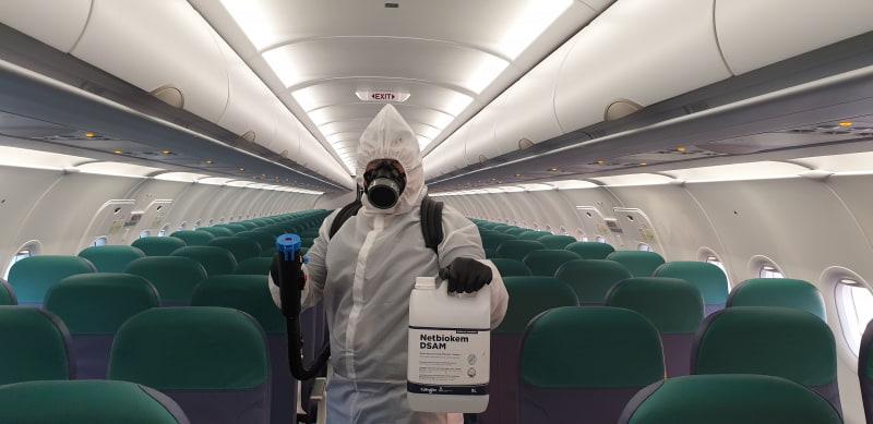 機内消毒の様子