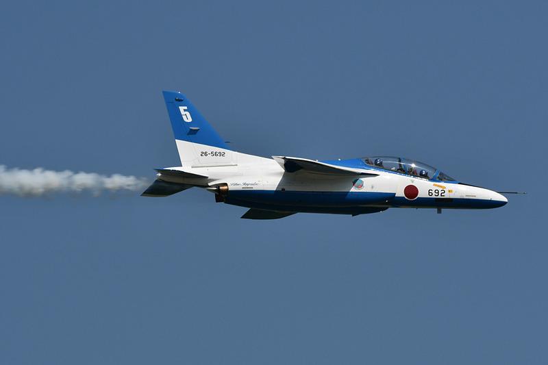 千歳基地航空祭は、航空自衛隊が運用する政府専用機や、アクロバットチーム「ブルーインパルス」の展示飛行などが人気のイベント(2019年撮影)