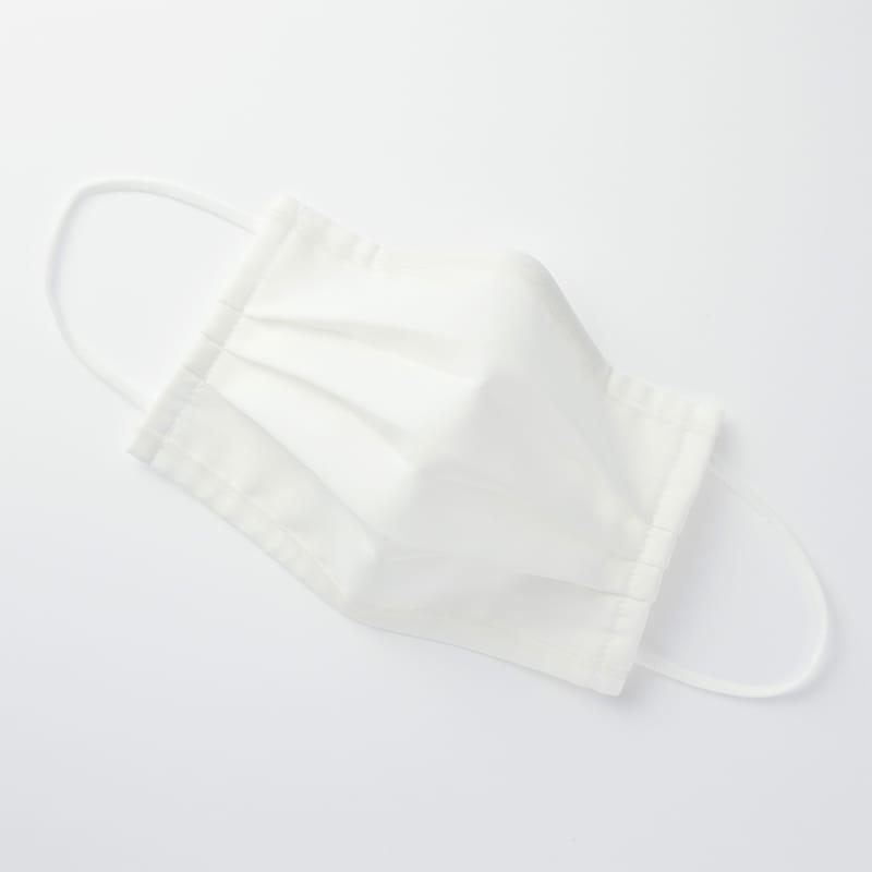 抗菌防臭加工をした「夏素材の布マスク」3種を6月上旬から無印良品で発売する