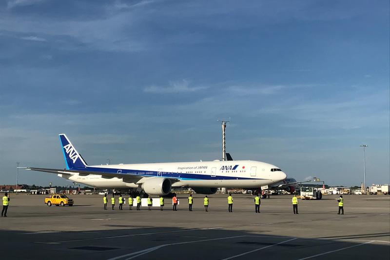 NH212便の出発