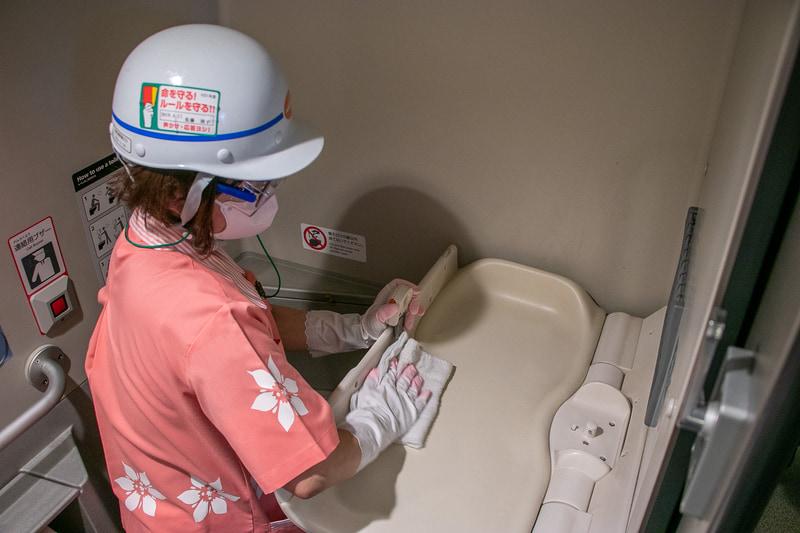 トイレは次亜塩素酸やアルコール消毒も組み合わせて清掃