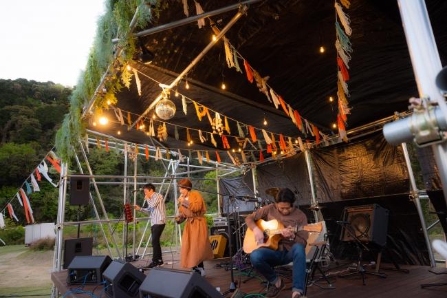 毎週土曜日に野外音楽フェス「FES Co-Creation」を開催する