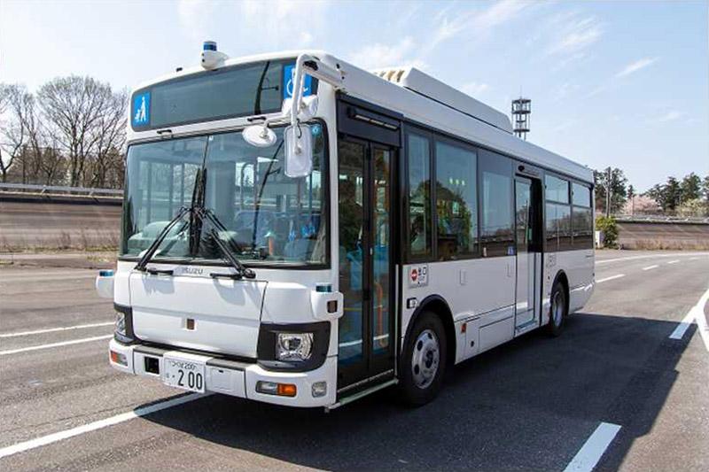 5地域/事業者で、乗客を乗せた中型自動運転バスの実証実験を開始