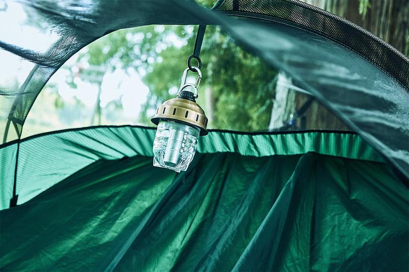 ハンモック使用時にはランタンフックにランタンを吊り下げられる