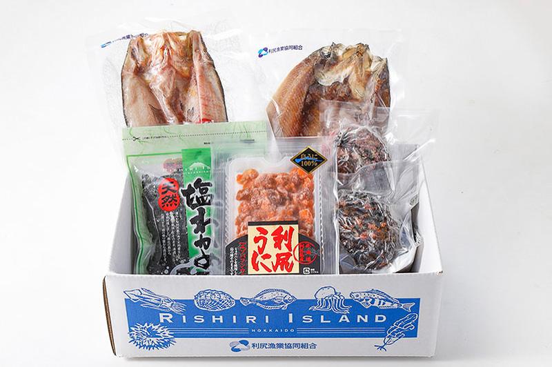 京阪百貨店はオンラインストアで全国の産地直送品の販売を行なう。写真は北海道利尻島 海の幸セット(1万800円)