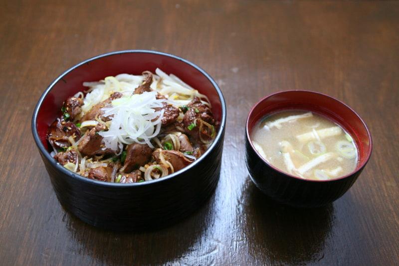 九州居酒屋 一丁目一番地 西浅草店「鹿児島県産鶏の白レバ丼」