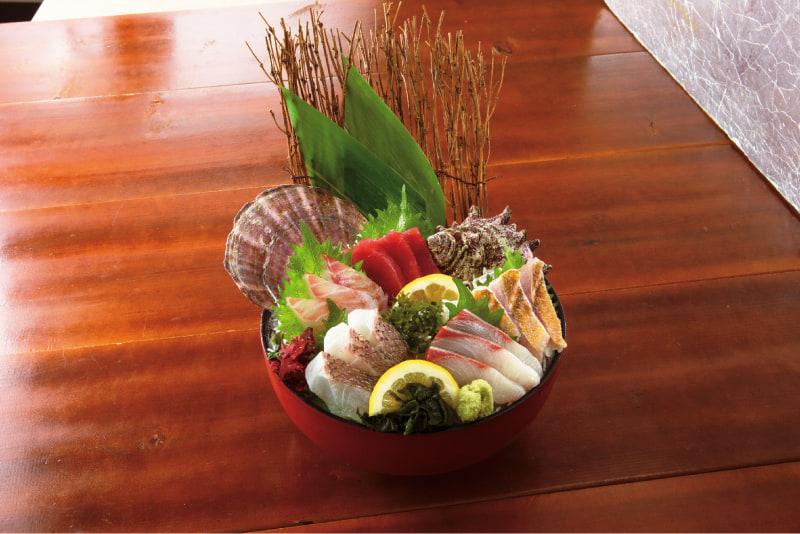 薩摩魚鮮 UENO3153店「錦江湾鮮魚入り刺身5点盛り」