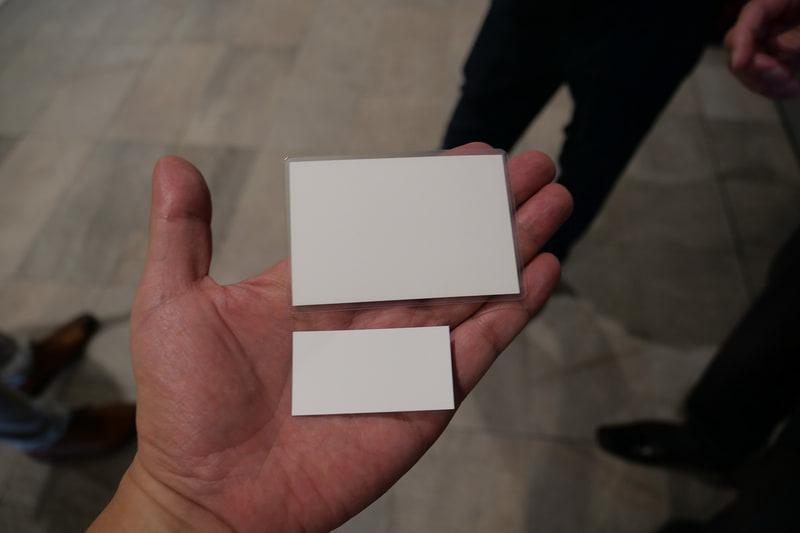 実証実験で使用される紙のQR券。新幹線などの乗車券として利用されている大きな券と、主に在来線で利用されている小さな券の2種類を用意。このほかにスマートフォンを利用したQR券も使用される
