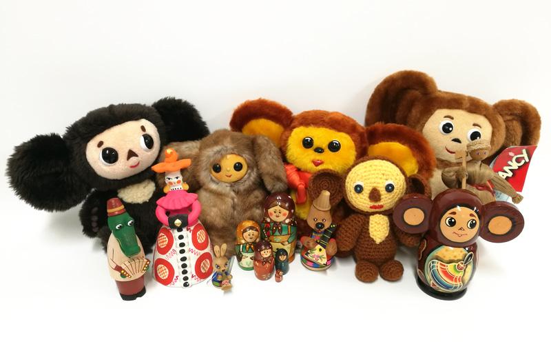 チェブラーシカのジオラマやロシア人形・民族玩具を展示