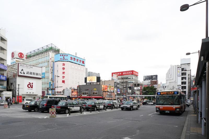 大宮駅東口ロータリー。左側に高島屋が見える