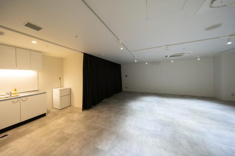 会議室やイベントスペース、避難所として多目的に活用できる部屋