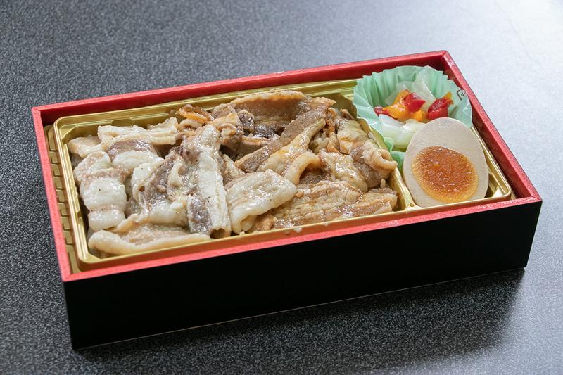 「イベリコ豚ベジョータカルビ重」(1180円)