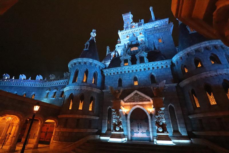 近くから感じられる城の迫力もこのアトラクションの魅力の1つ