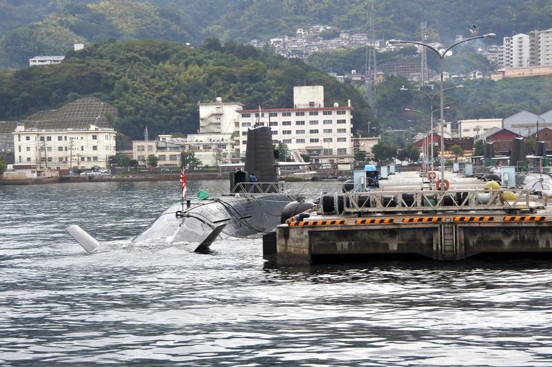 呉港での艦船クルーズはまさにハイライト! そうりゅう型潜水艦も間近に