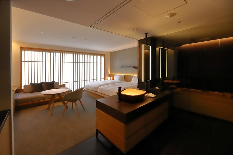 客室は、熟成された町家の雰囲気を前面に押し出した設計。写真は「Hibaburo Deluxe」
