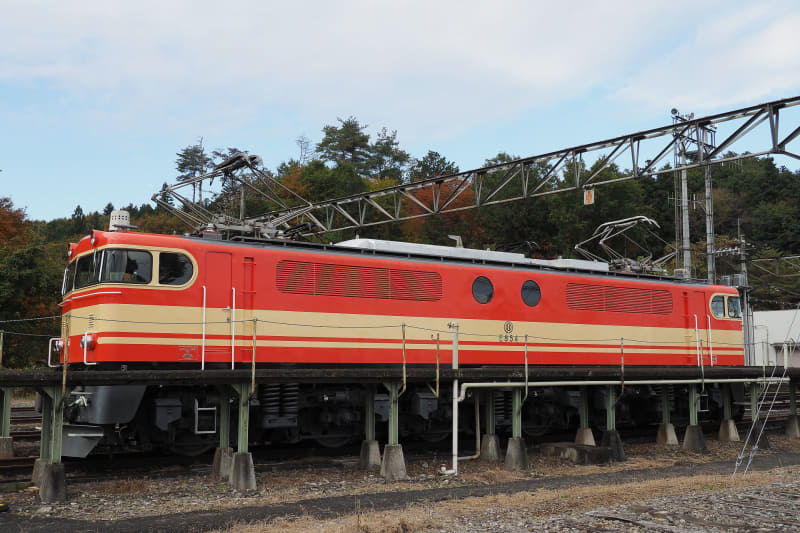 854(E851)