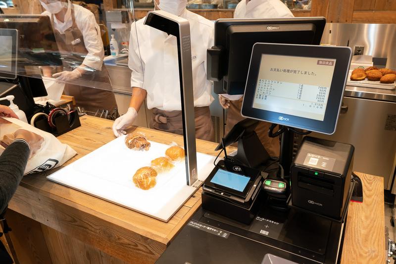 レジにはパンを自動で認識する自動認識レジ