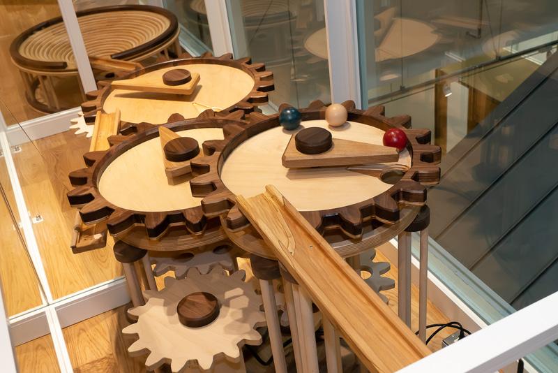 子供が遊べるおもちゃ「カッタンコットン歯車」