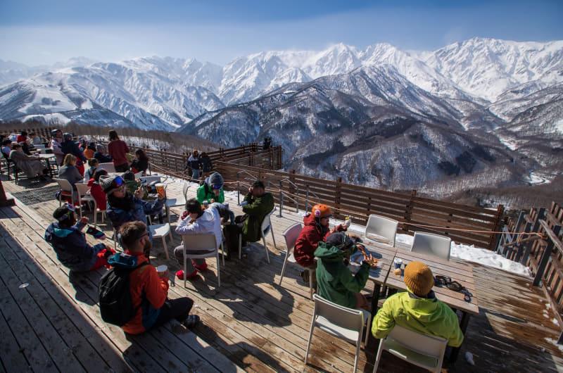 白馬岩岳スノーフィールドはスノーアウトドアエリア「IWATAKE WHITE PARK」をオープンする