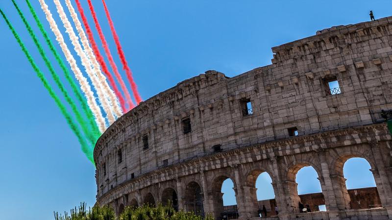 「フレッチェ・トリコローリ」が描いた三色旗