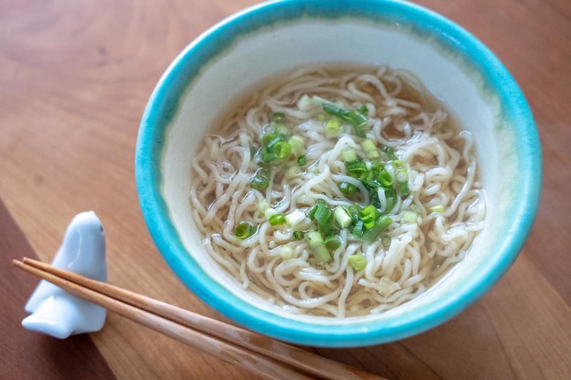 のどごしのよい細縮れ麺は北海道小麦100%使用とのこと