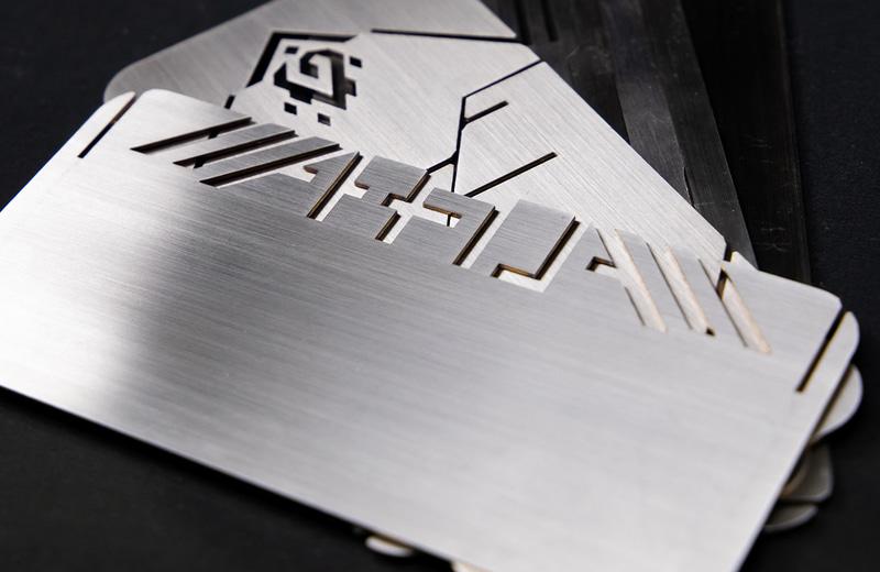 1mm厚のステンレス板を組み立てて使う「ALPHA BONFIRE」