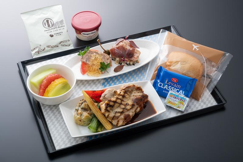 プレミアムエコノミー食事イメージ