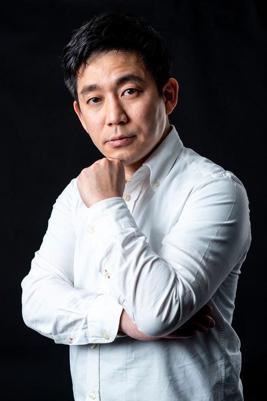 レーシングチーム「KOSHIDO eRACING」の佐藤元春オーナー兼監督