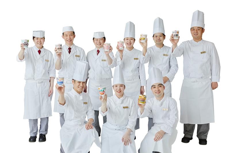 京王プラザホテルのシェフがカップヌードルをホテル料理にアレンジ