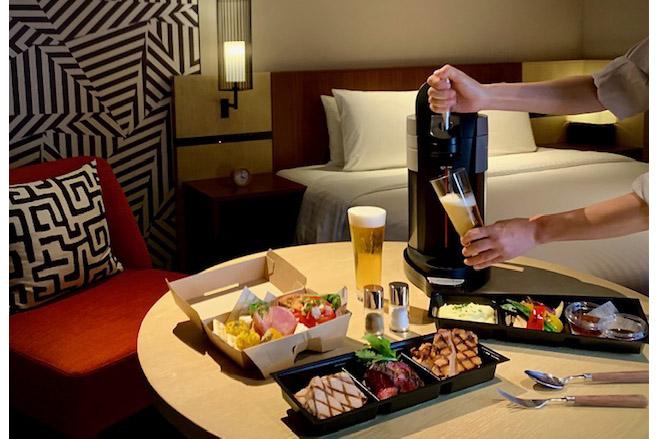 コートヤード・バイ・マリオット 新大阪ステーションは、客室に卓上ビアサーバーが付く宿泊プラン「Private Beer Hall(プライベート ビア ホール)」を提供する