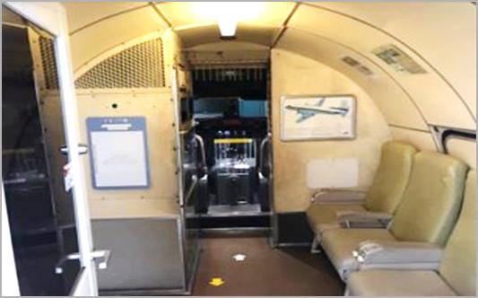 電車とバスの博物館B棟にある「キッズワールド YS-11」
