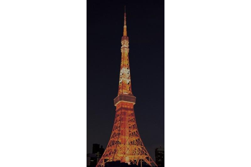 24時からはオレンジ色の冬型ライトアップ