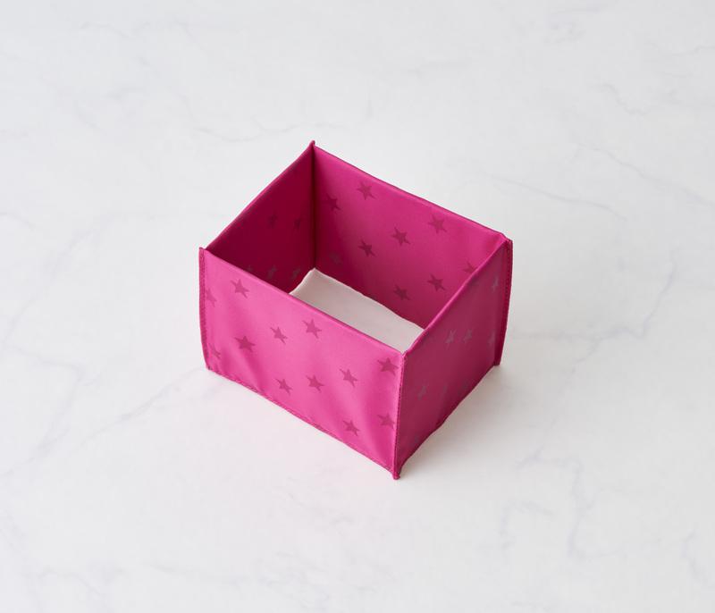 空洞BOXタイプの仕切りを採用